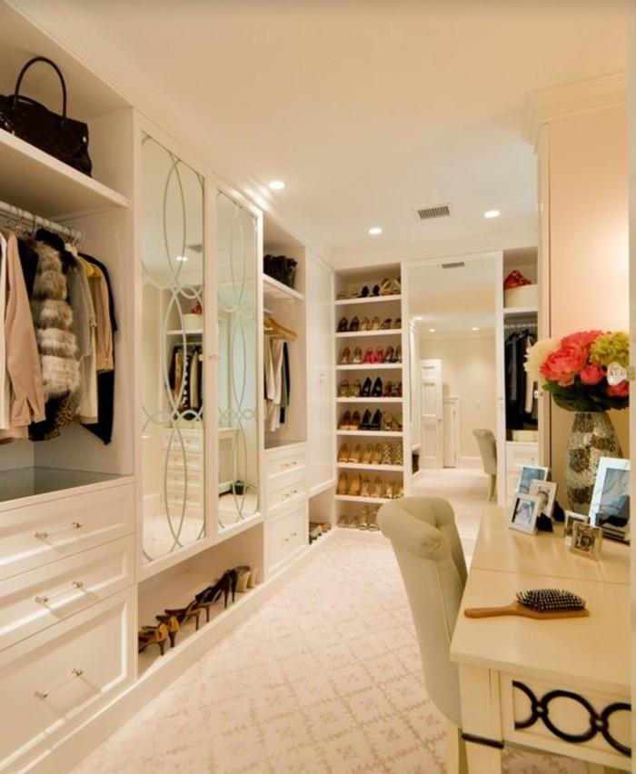 Begehbarer kleiderschrank rosa  Ankleidezimmer einrichten - Tipps, Tricks und Inspirationen