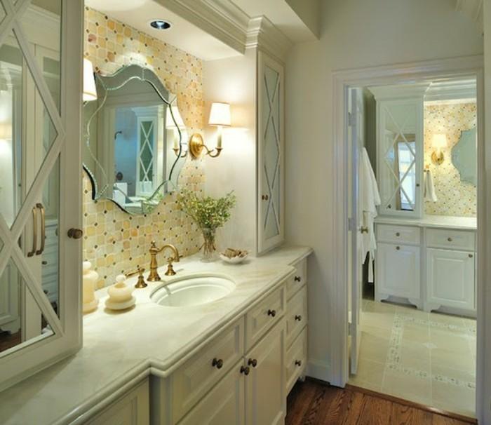badezimmer-ideen-fur-kleine-bader-mit-spiegel