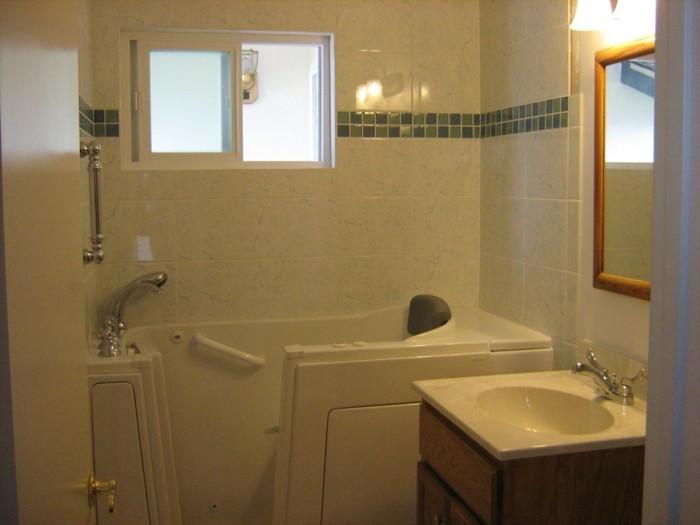 kleines bad fliesen 58 praktische ideen f r ihr zuhause. Black Bedroom Furniture Sets. Home Design Ideas