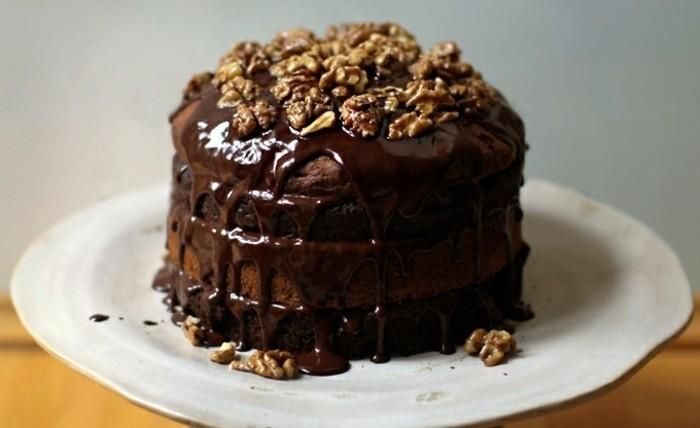 vegane-torte-vegan-werden-walnüsse-vegane-schokolade