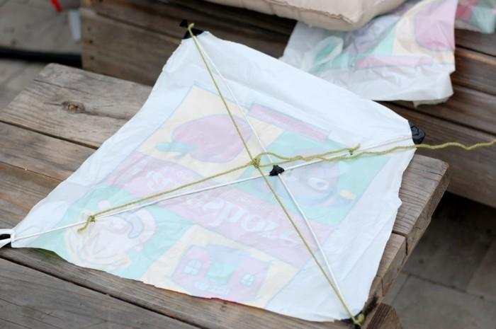 drachen-bauen-aus-plastik-tuten