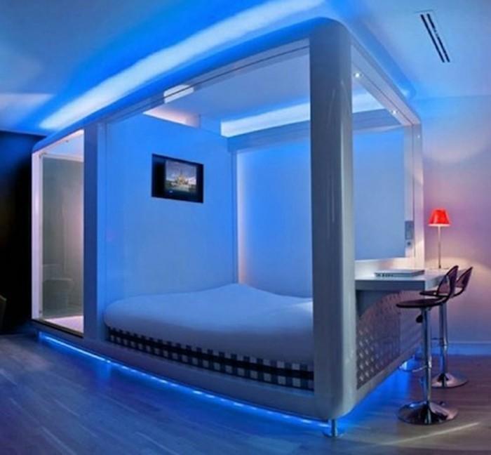 Beautiful Fantastisches Schlafzimmer  Mitblauemlicht Lichtunterdembett Roteslichtimschlafzimmer Design Ideas