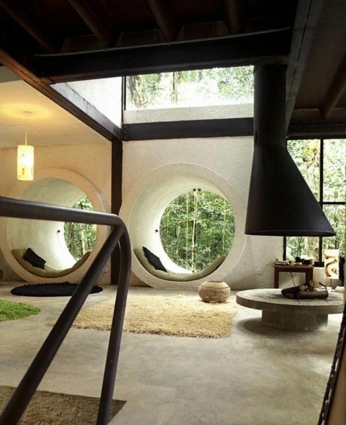 frische-wohnungsdeko-ideen-naturaussicht-pluschteppich-runder-holztisch-runder-teppich