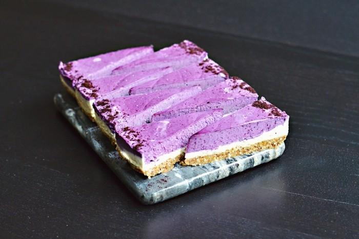 glutenfreier-kuchen-gesund-lila-creme-torte-stuck