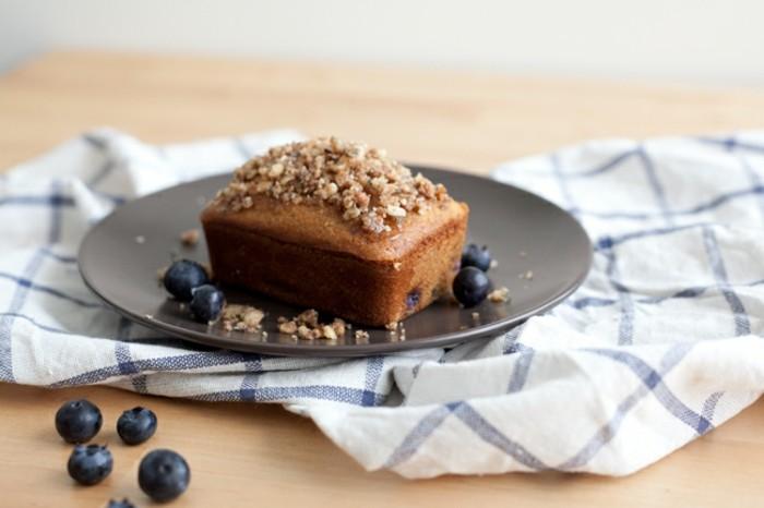 glutenfreier-kuchen-gesund-rezept-glutenfreier-kuchen-walnusse-blaubeeren