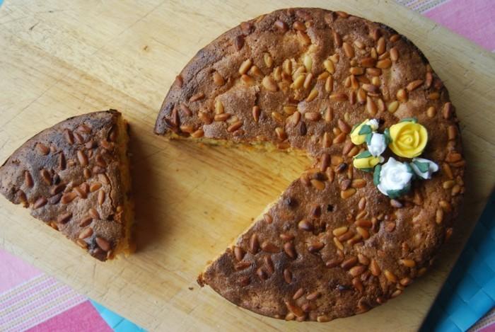 glutenfreier-kuchen-gesunder-glutenfreier-kuchen-samen-fondant-figuren-rosen