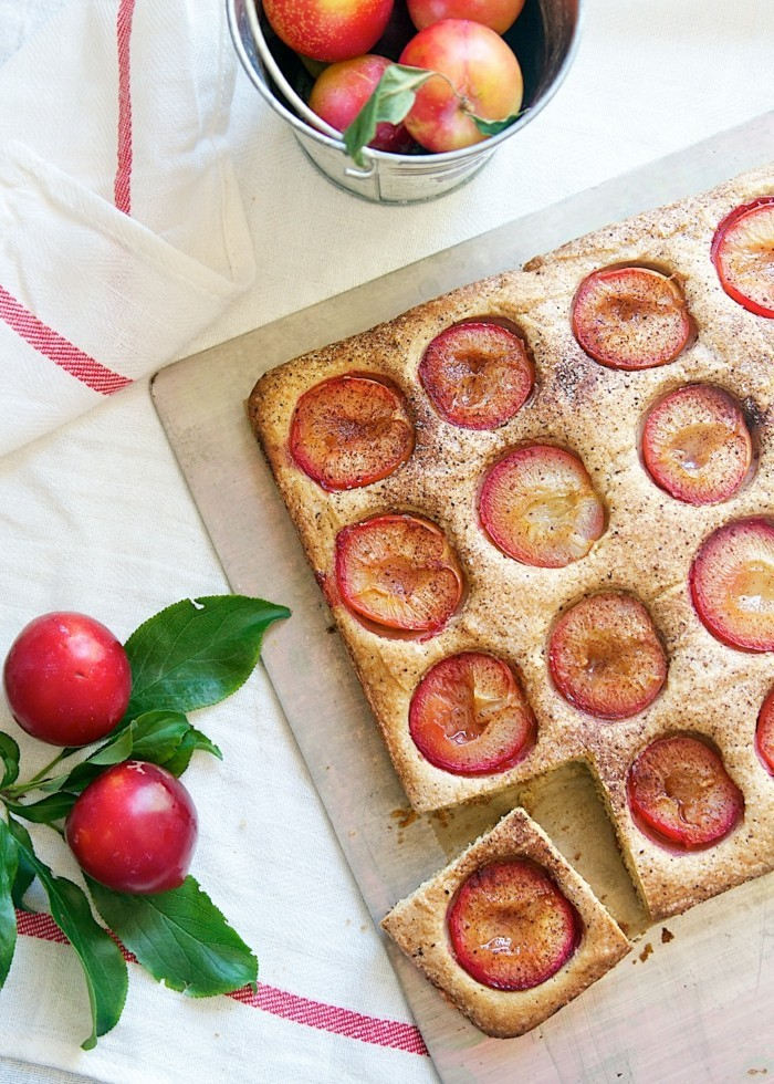 glutenfreier-kuchen-gesunder-pflaumen-kuchen-backen-zu-hause