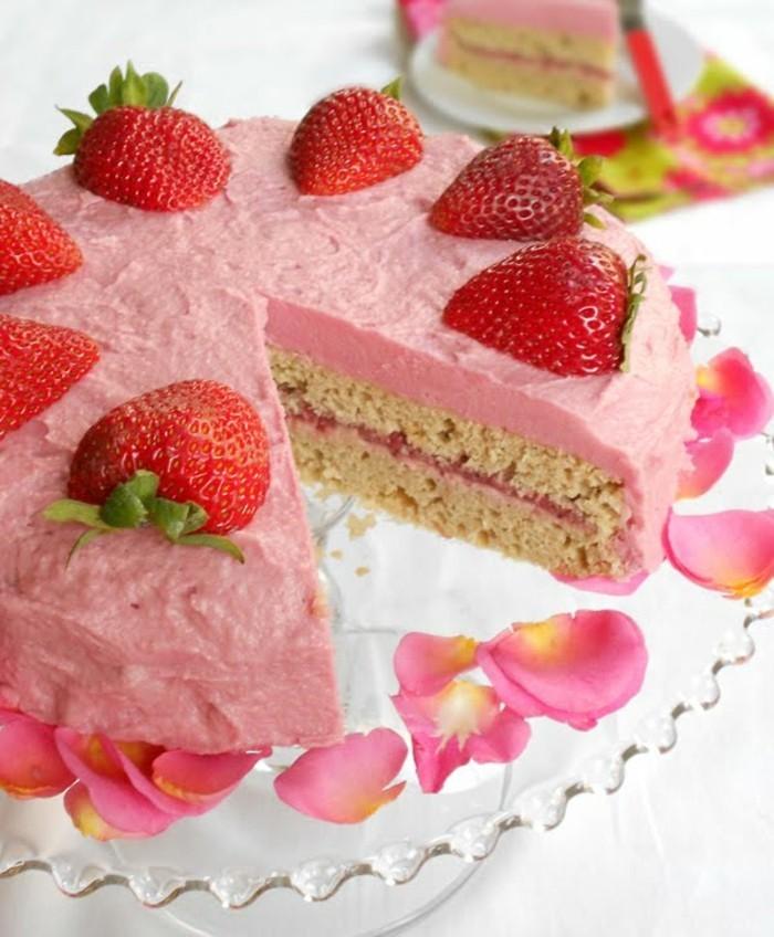 glutenfreier-kuchen-glutenfrei-erdbeeren-creme-kuchen-torte