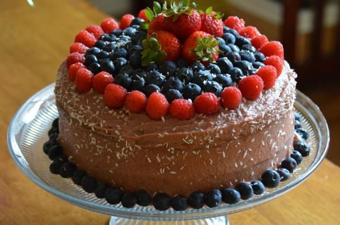 glutenfreier-kuchen-glutenfrei-fruchte-blaubeeren-erdbeeren