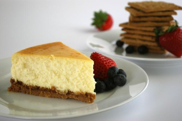 glutenfreier-kuchen-glutenfreie-kuchen-und-fruchte-nachtisch