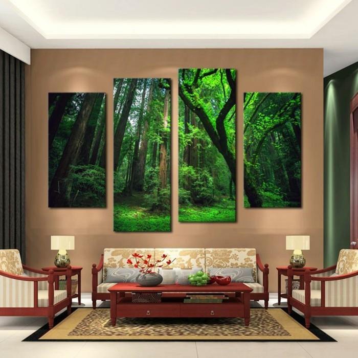 grune-wald-baume-braune-wand-sofa-couch-holztisch-vase-blumen-teppich-lampen