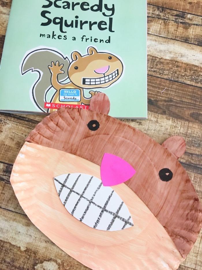 kreative ideen upcycling idee eichhörnchen aus pappteller basteln diy anleitung schritt für schritt buch für kinder