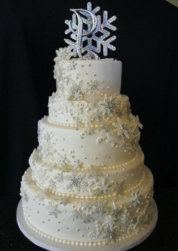 motivtorten-selber-machen-hochzeit-im-winter-fondant-torte