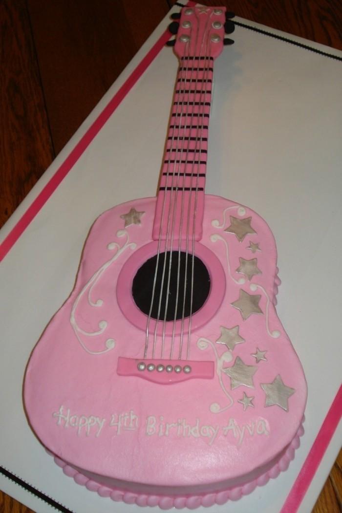 motivtorten-selber-machen-kindertorten-selber-machen-rosa-gitarre