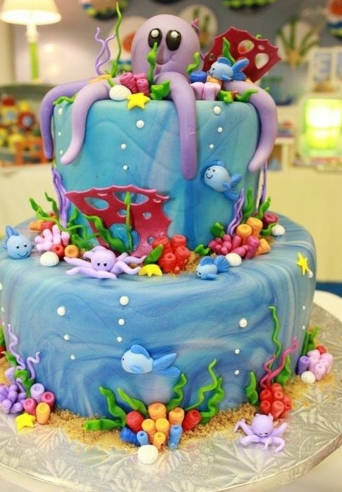 motivtorten-selber-machen-meeresgrund-torte-oktopode-schone-fondant-torte