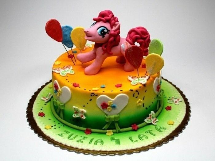 motivtorten-selber-machen-mein-kleines-pony-auf-einer-fondant-torte
