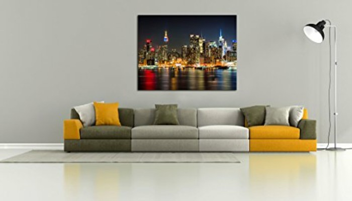 new-york-city-weis-gelb-grauer-sofa-lampe