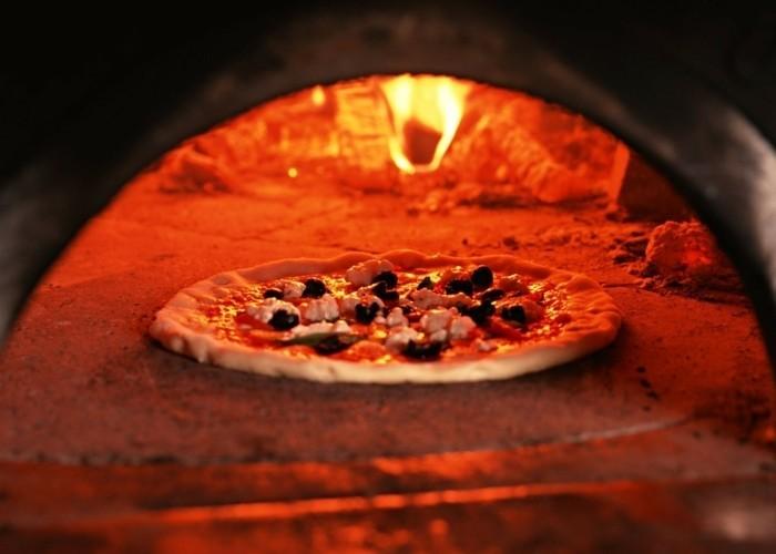 pizzaofen-selber-bauen-einen-pizzaofen-selber-bauen-und-pizza-backen