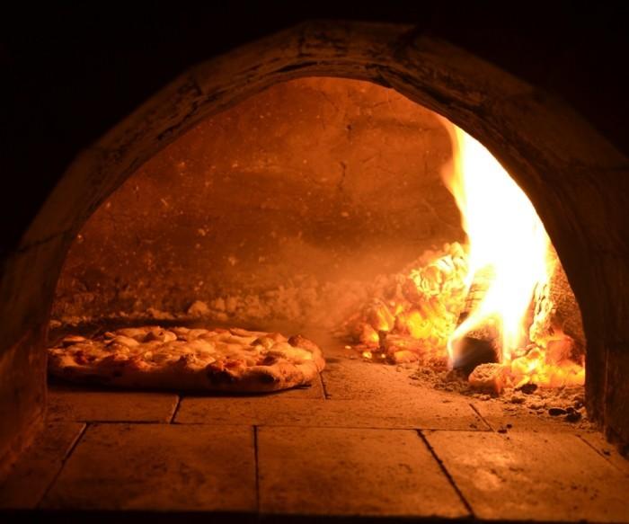 pizzaofen-selber-bauen-einen-pizzaofen-selbst-bauen