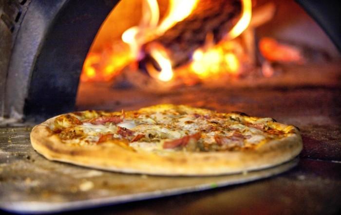 pizzaofen-selber-bauen-leckere-pizza-und-einen-pizzaofen-selber-bauen