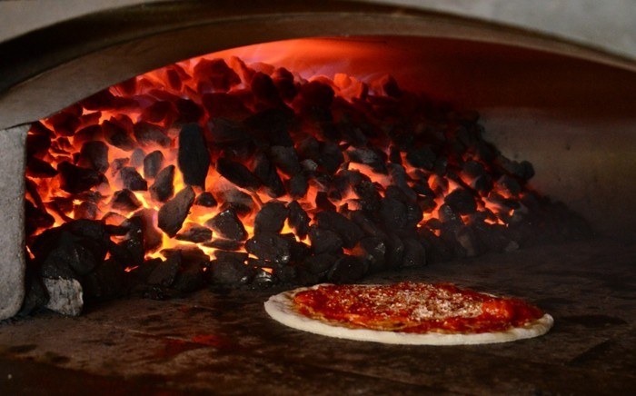 pizzaofen-selber-bauen-pizzaofen-selbst-bauen-und-eine-pizza-backen