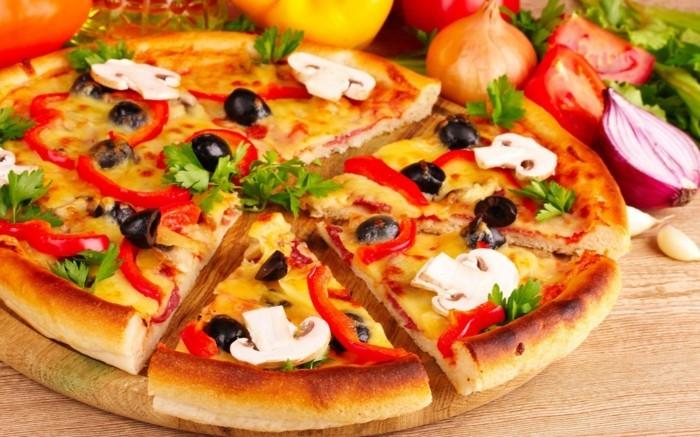 pizzaofen-selber-bauen-viele-menschen-wollen-eine-italienische-pizza-selber-machen