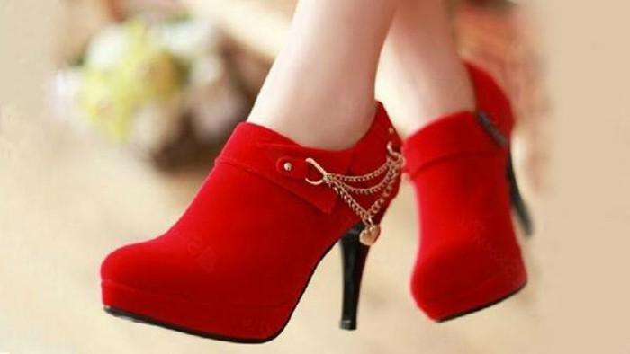 rote-schuhe-elegant-schön-und-stilvoll