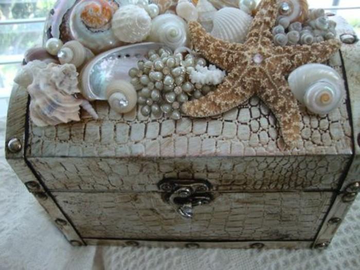 schatztruhe-basteln-mit-seefruchte-dekoration