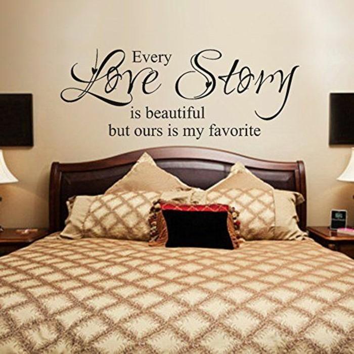 wandsprüche-schlafzimmer-beige-liebespaare