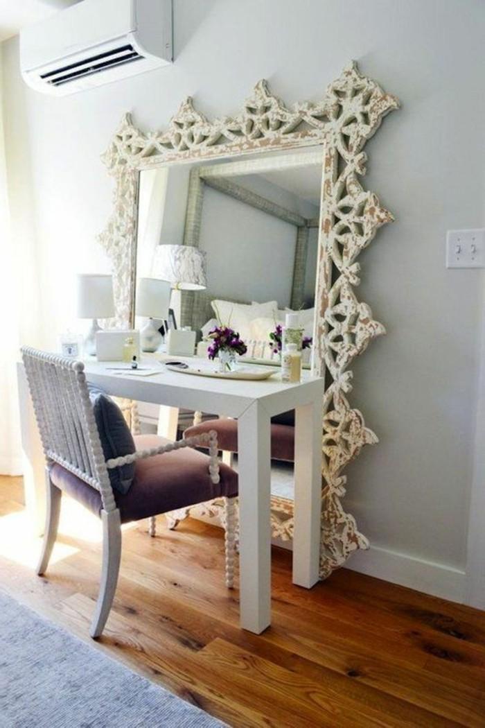 schminktisch-frisiertisch-mit-spiegel-weiser-stuhl-eckiger-spiegel-mit-weisem-rahmen