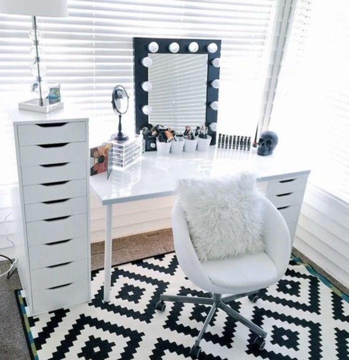 schminktisch-mit-beleuchtung-weiser-stuhl-teppich-in-weis-und-schwarz