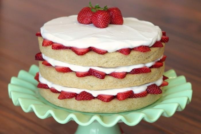 vegane.torte-vegane-torte-selber-kochen-drei-schichtig-erdbeeren