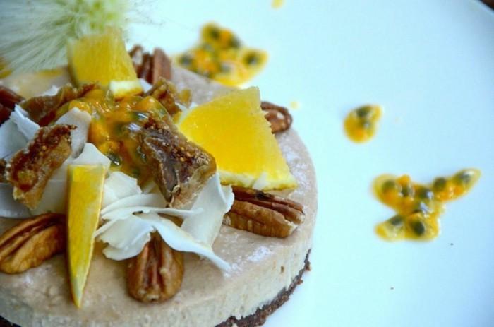vegane-torte-exotische-torte-vegane-geburtstagstorte-ananas
