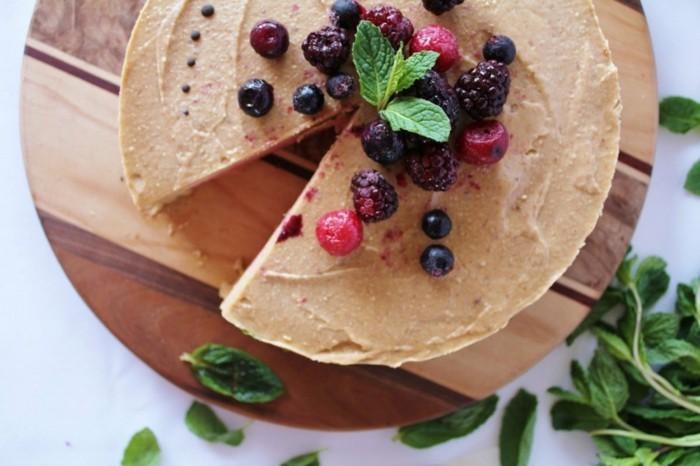 vegane-torte-vegane-geburtstagstorte-fruchte-vegan-ernahren