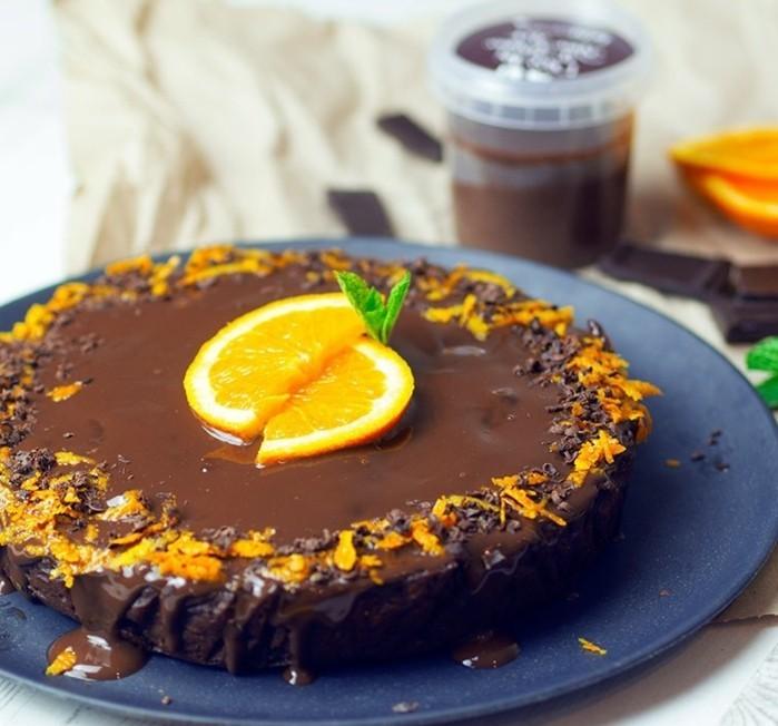 vegane-torte-vegane-torten-schokolade-und-orangen-vegane-geburtstagstorte