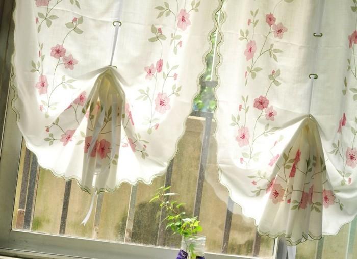 vinatge-kuchen-gestaltung-mit-gardinen-blumen-muster