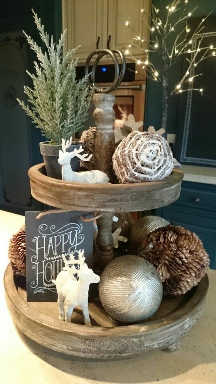 weihnachtendekoration-selber-machen-weihnachtliche-tischdeko-hirsche-zapfen