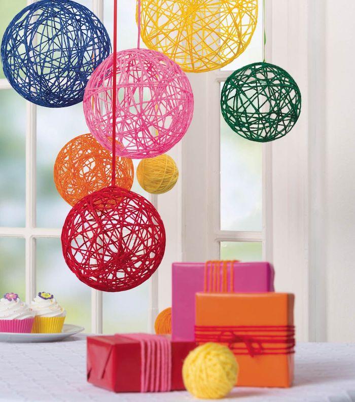 windlichter selbst gestalten großes windlicht garn und bastelleim farben hängen