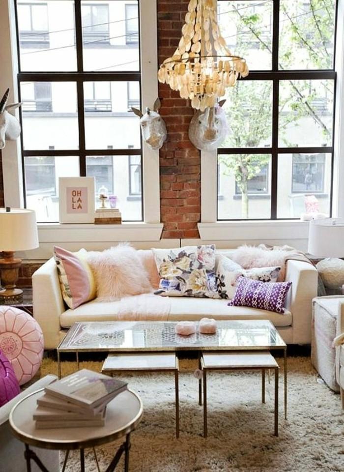 wohnzimmer braun weiß sofa deko kissen rosa rot farbe | deko ... - Wohnzimmer Deko Rosa
