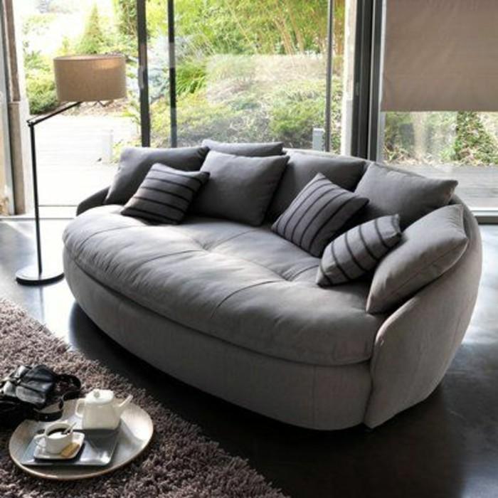 grau grünes wohnzimmer: noch ein Sessel gehören in jedes noch so kleine Wohnzimmer Möbel