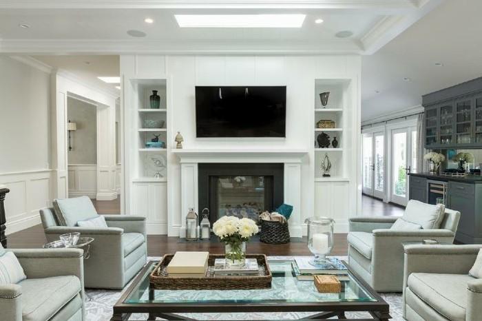 wohnzimmerdekoration-einrichtungstipps-weises-wohnzimmer-hell-glanzend