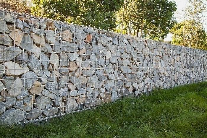 zaun-naturstein-selber-bauen-gabionen-ohne-beton-steinwande