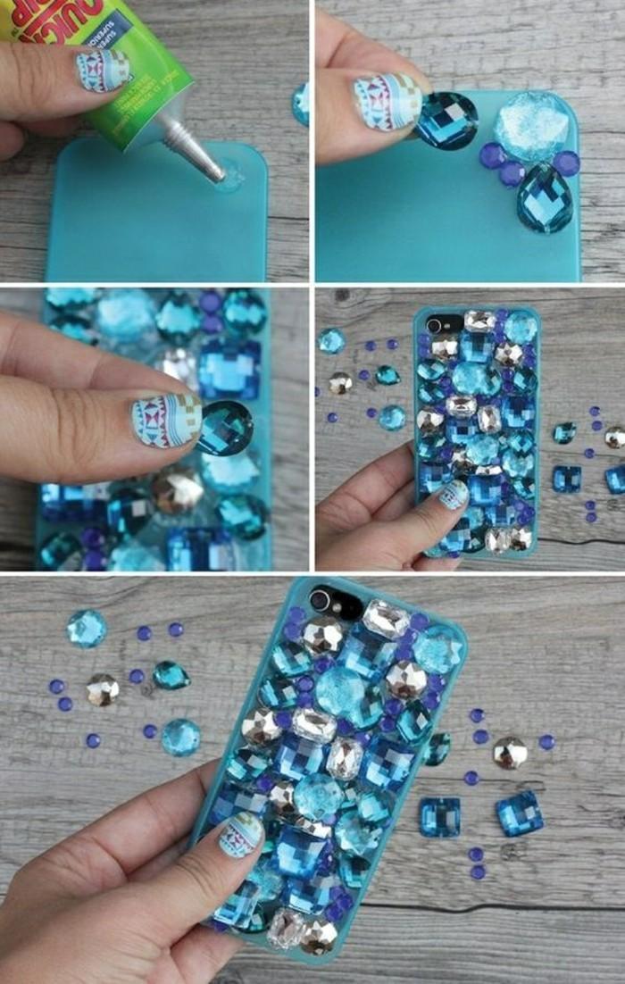 10-handyhulle-selbst-gestalten-handyhulle-gestalten-mit-blauen-stasssteinchen