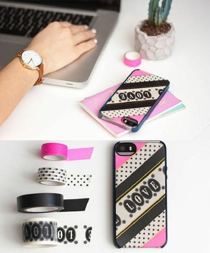 2-handyhulle-selbst-gestalten-handy-hullen-mit-klebeband-in-rosa-schwarz-und-weis-gestalten