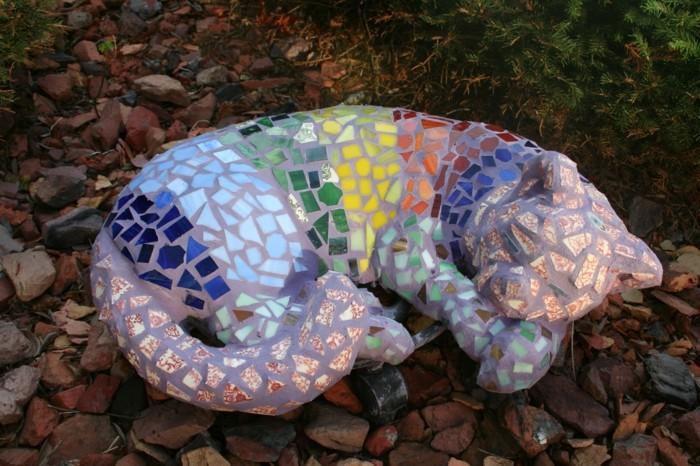 3mosaikkatze-mosaiksteine-bunt-tiere-aus-mosiksteinen-mosaikdekoration-im-garten