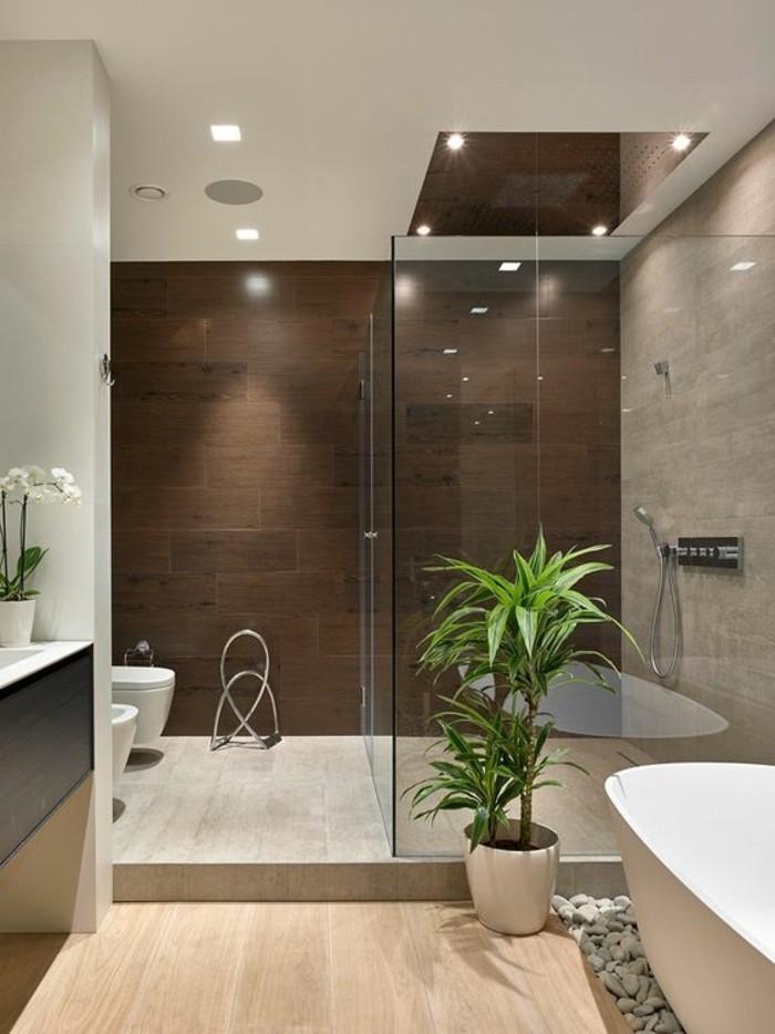 4-badezimmer-deko-baddesign-in-braun-und-weis-blumen-und-pflanzen