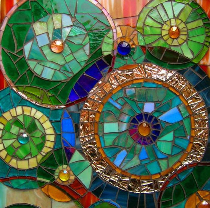 5traditionelle-glasmosaik-verschiedene-farben-mosaikkunst-bunte-dekoration