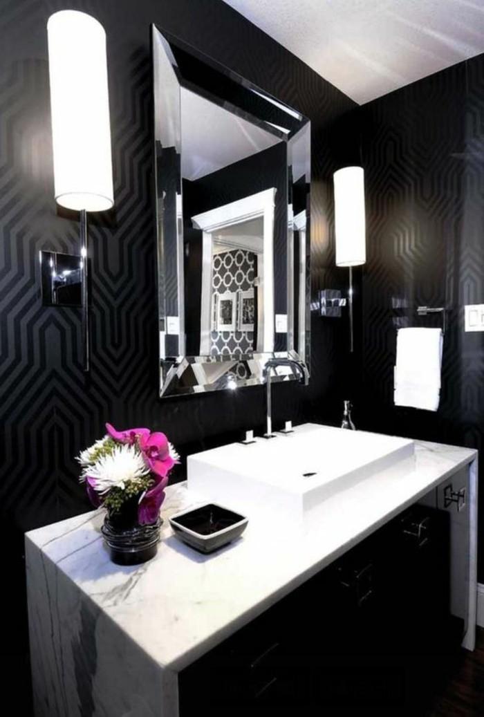 7-badezimmer-deko-badezimmer-gestalten-in-schwarz-und-weis-mit-blumen