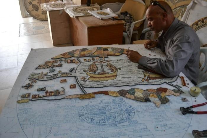 8mosaik-basteln-mosaiksteine-mosaig-vorlagen-bunte-fliesen-groses-mosaikstuck