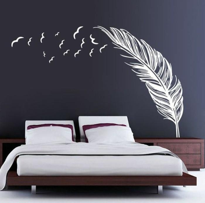 9-deko-ideen-schlafzimmer-schwarze-waende-weisse-feder-wandsticker